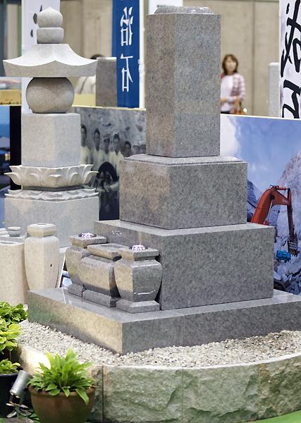 世界一の石、庵治石の展示が中心のフェアです。