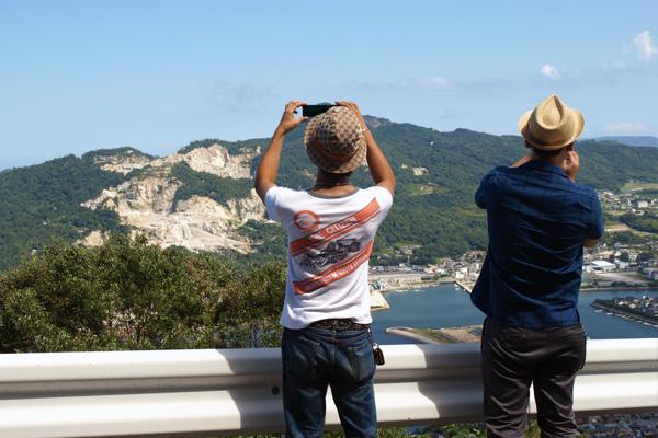やっぱり地元民でも写真撮りたくなりますよね、三枝さん。