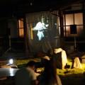 洲崎寺コンサート。お寺の外でもスクリーンで鑑賞可