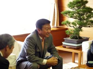 終始にこやかな笑顔の大西秀人高松市市長
