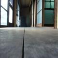 鈴木家の廊下