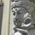 代表的な石の加工製品の一つ、石仏。