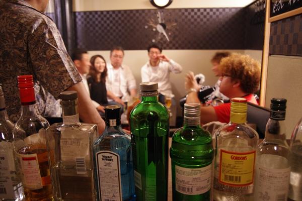 「撮影のために飲む」のではなく「飲んでるところを撮ってる」という感じでした