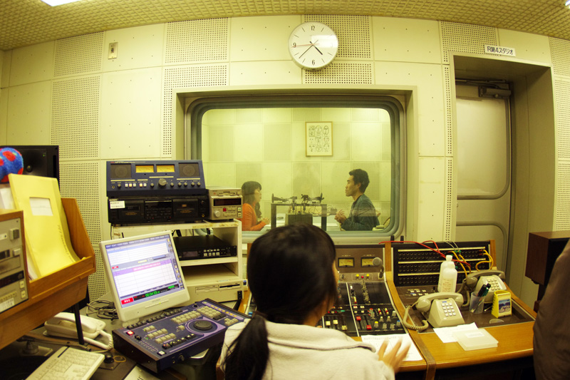 ラジオ番組収録中