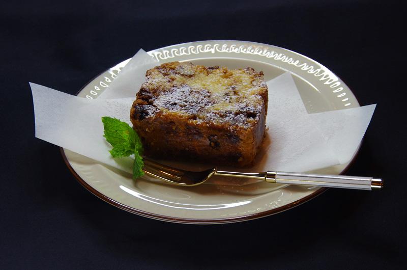 シナモンレーズンとくるみのケーキ